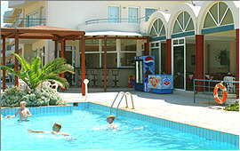 Swimming pool, bar and restaurant